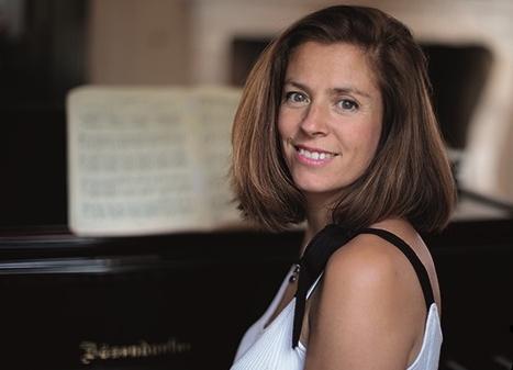 Rebecca Chaillot 4